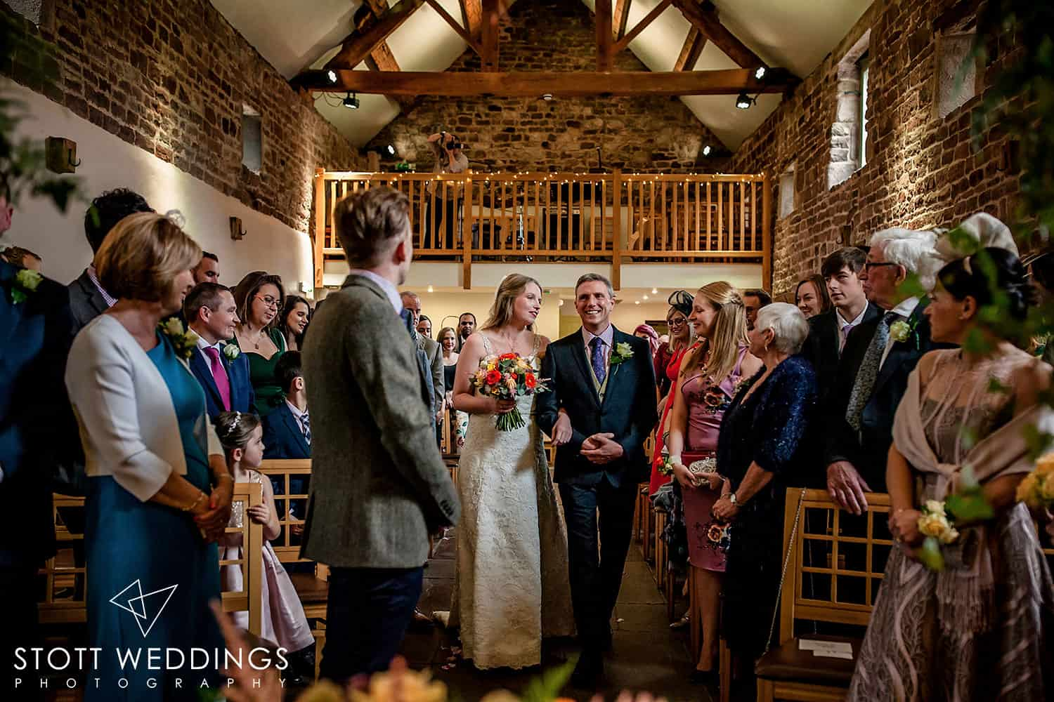 Autumnal Wedding at The Ashes